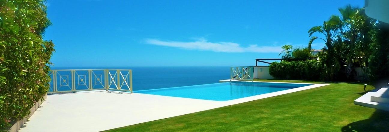 Piscina al Mar en Villa de Arruaso